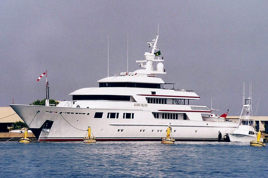 NOMAD Motor Yacht