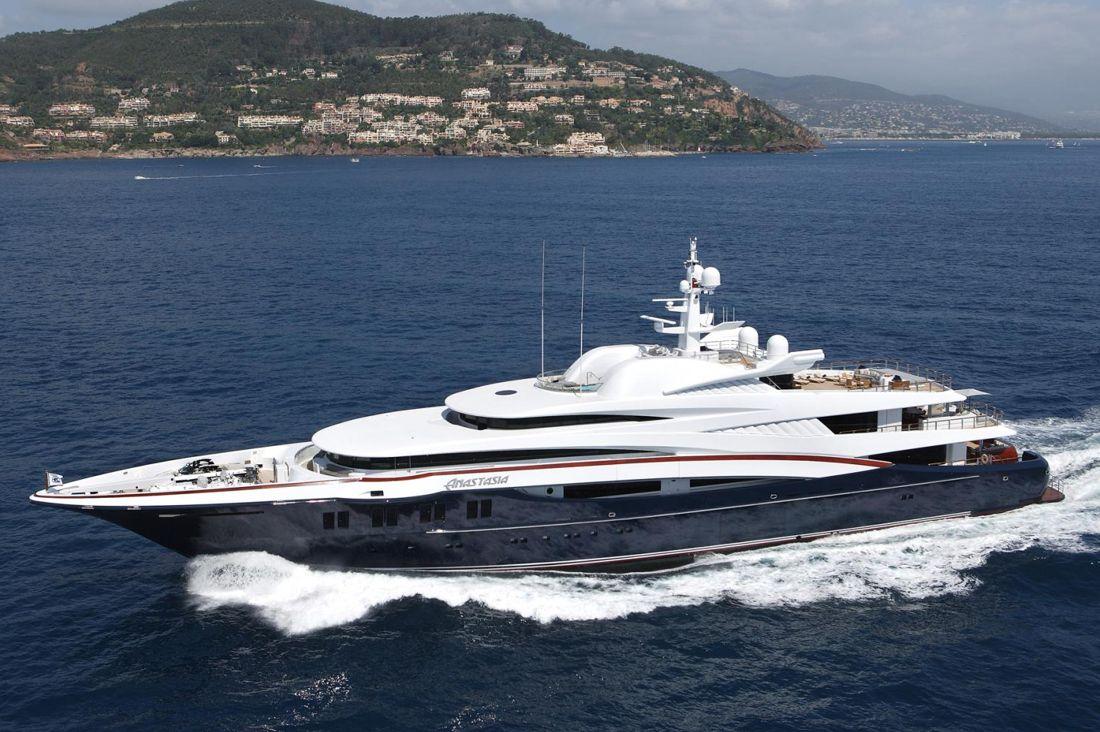 ANASTASIA Yacht - Design by Sam Sorgiovanni